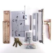 Замок дверной врезной ЗААЗ ЗВ 7 Мотор Сич с ручками