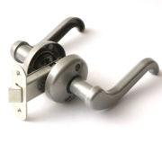 Защелка врезная ЗЩ2-02 ЗЕНИТ дверная бриллиант с ручками