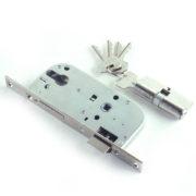 Замок дверной врезной цилиндровый ЗВ7-70.4-02 ЗЕНИТ медь с ручками и защелкой